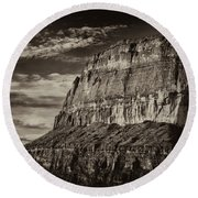 Big Bend Cliffs Round Beach Towel
