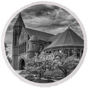Billings Library At Uvm Burlington  Round Beach Towel
