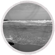 Bird On Kovalam Beach Round Beach Towel
