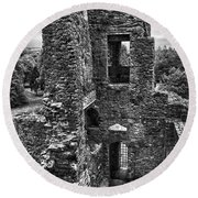Black And White Castle Round Beach Towel