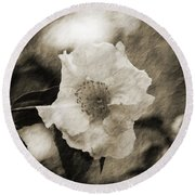 Black And White Flower With Texture Round Beach Towel