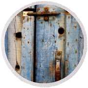 Blue Door Weathered To Perfection Round Beach Towel