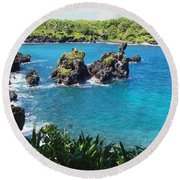 Round Beach Towel featuring the photograph Blue Hawaiian Lagoon Near Blacksand Beach On Maui by Amy McDaniel