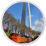 Bnsf Ore Train And St. Louis Gateway Arch Round Beach Towel