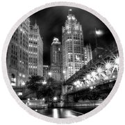 Boat Along The Chicago River Round Beach Towel