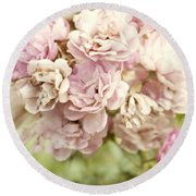 Bouquet Of Vintage Roses Round Beach Towel