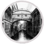 Bridge Of Sighs Pencil Round Beach Towel