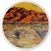 Brilliant Montana Mountains And Foothills Round Beach Towel