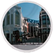 Buildings Along The Road, Rodeo Drive Round Beach Towel