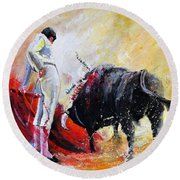 Bull In Yellow Light Round Beach Towel