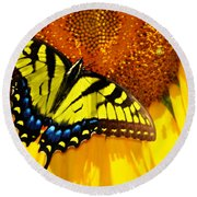 Butterfly And The Sunflower Round Beach Towel
