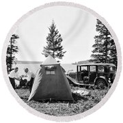Camping In Canada Round Beach Towel