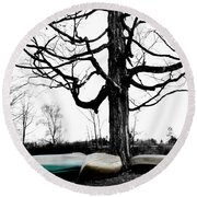 Canoes In Winter Round Beach Towel