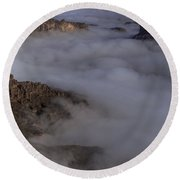 Canyon Rims Float In Fog Round Beach Towel