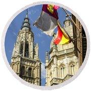 Catedral De Santa Maria De Toledo Round Beach Towel