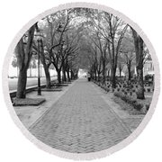 Charleston Waterfront Park Walkway - Black And White Round Beach Towel