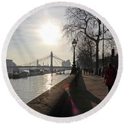 Chelsea Embankment London Uk Round Beach Towel