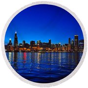 Chicago Skyline At Dusk Round Beach Towel