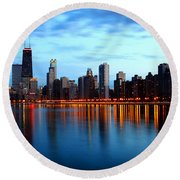 Chicago Skyline Dusk Round Beach Towel