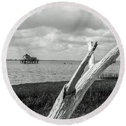 Chincoteague Oystershack Bw Vertical Round Beach Towel