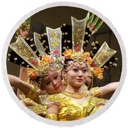 Chinese Dancers Perform Thousand Hands Guan Yin Round Beach Towel