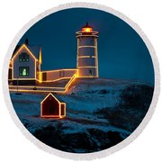 Christmas At Nubble Light Round Beach Towel