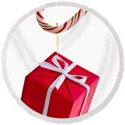 Christmas Candy Cane And Present Round Beach Towel