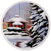 Christmas In Chagrin Falls Round Beach Towel
