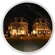 Christmas In Town Round Beach Towel