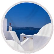 Church, Oia, Santorini, Cyclades Round Beach Towel