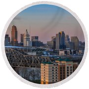 D9u-876 Cincinnati Ohio Skyline Photo Round Beach Towel