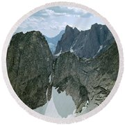209615-cirque Of Towers, Wind Rivers, Wy Round Beach Towel