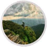 Cliff Tops At Mt. Leconte Gsmnp Round Beach Towel