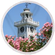 Clock Tower And Roses Round Beach Towel