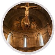 Cloisters Crucifixion Round Beach Towel