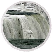 Closeup Of Icy Niagara Falls Round Beach Towel