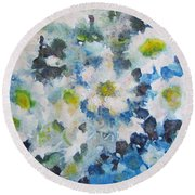 Cluster Of Daisies Round Beach Towel