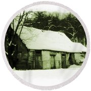 Countryside Winter Scene Round Beach Towel