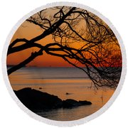 Colorful Quiet Sunrise On Lake Ontario In Toronto Round Beach Towel