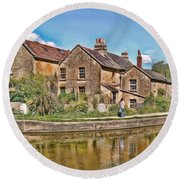 Cottages At Avoncliff Round Beach Towel