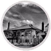 Round Beach Towel featuring the photograph Country Mansion by Wallaroo Images