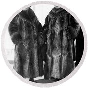 Couple In Coonskin Coats Round Beach Towel