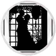 Couple In Love Silhouette Round Beach Towel