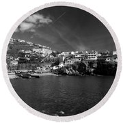 Cove In Black And White Round Beach Towel