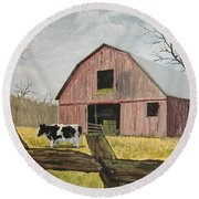 Cow And Barn Round Beach Towel
