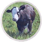 Cow In Grass Round Beach Towel