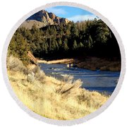 Crooked River December Morning Round Beach Towel