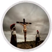 Crucifixion Scene Of Roman Movie Round Beach Towel