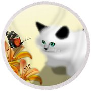 Curious Kitty And Butterfly Round Beach Towel