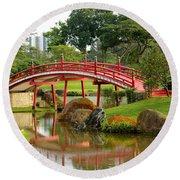 Curved Red Japanese Bridge And Stream Chinese Gardens Singapore Round Beach Towel